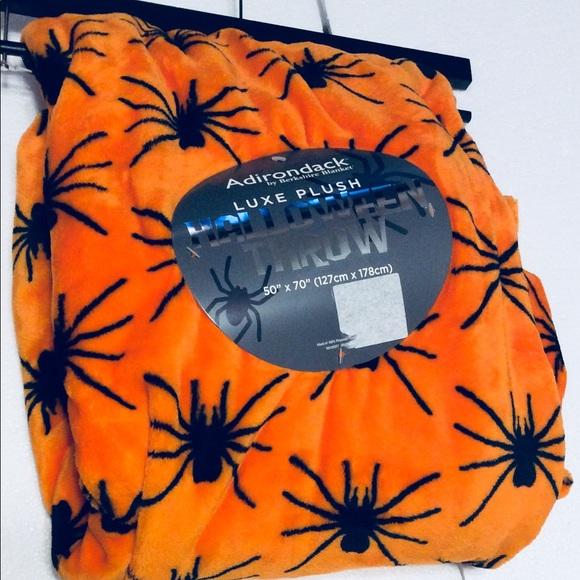 NWT Harvest Market Luxe Plush Throw Pumpkin Tractor 50 x 70 Fall Autumn Blanket
